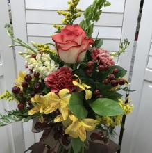 Medium spring mix arrangement